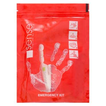 Kit Sense Emergency contient ce qui suit : - un masque civil à usage unique dans plusieurs couches; - un tube de gel désinfectant sens 35 ml; - un sens réparant la crème pour les mains avec du quinoa noir 35 ml; - un sens savon antimicrobien 100 gr. 1. Lavez-vous soigneusement les mains pendant au moins 20 secondes avec du savon antimicrobien Sense; 2. Hydratez votre peau à l'aide de la crème pour les mains de réparation de sens; 3. Portez le masque civil à usage unique chaque fois que vous allez dans les lieux publics; 4. Gardez toujours à côté du gel désinfectant Sense et utilisez-le lorsque vous n'avez pas la possibilité de vous laver les mains pour une protection complète.